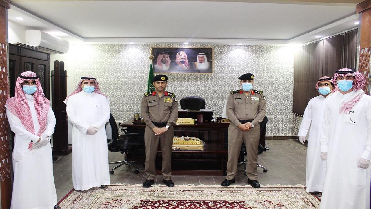 مدير شرطة الشمالية يكرم عددا من ضباط والأفراد بمنسوبي التحريات