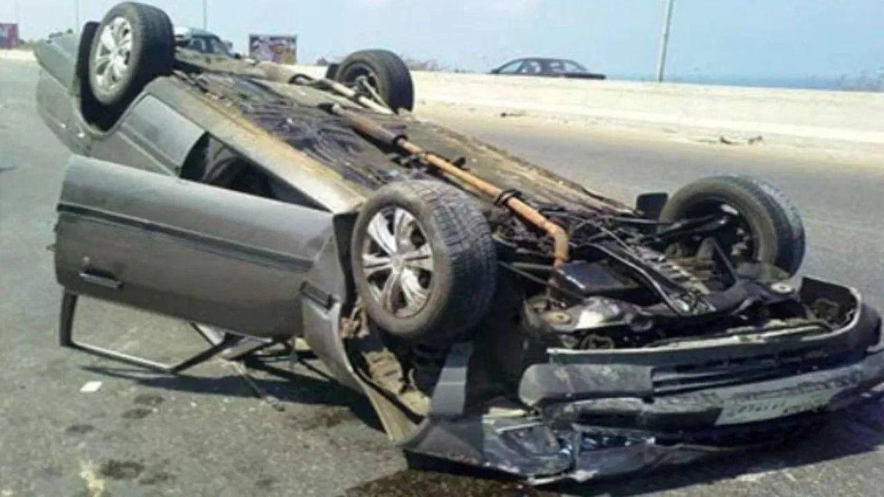 إصابة شخص في حادث اصطدام مركبة بحاجز خرساني بمكة