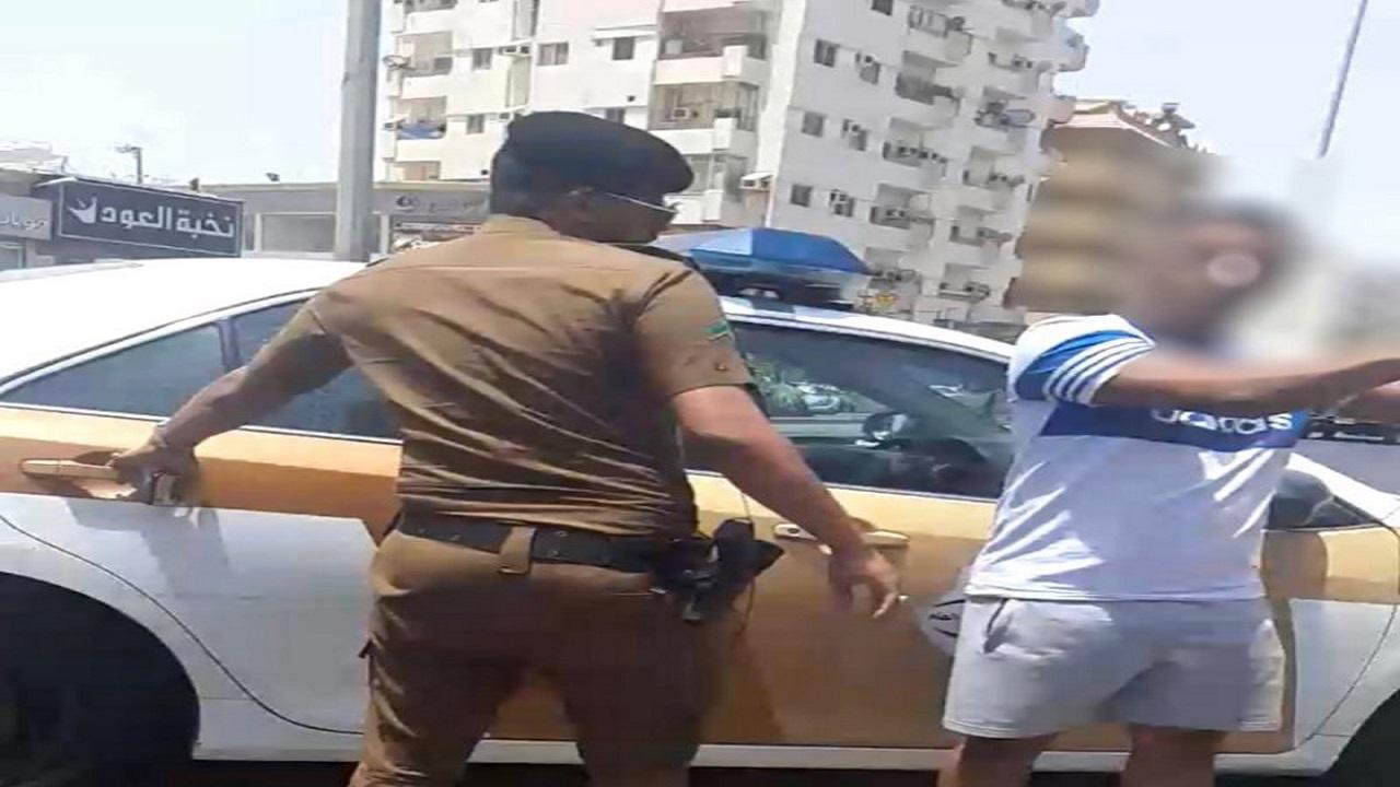 ضبط مقيم تورط في سرقة مركبة جنوب جدة