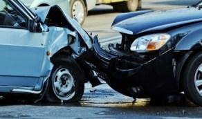 إصابة شخصين في حادث اصطدام مركبتين بجدة