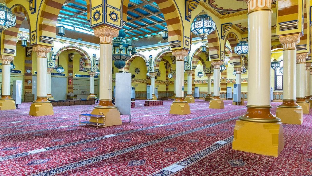إغلاق مسجد في الحدود الشمالية بعد ثبوت إصابة أحد المصلين