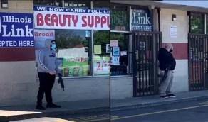 أصحاب المحلات يحمون أنفسهم بالأسلحة الرشاشة بعد فشل شرطة شيكاغو