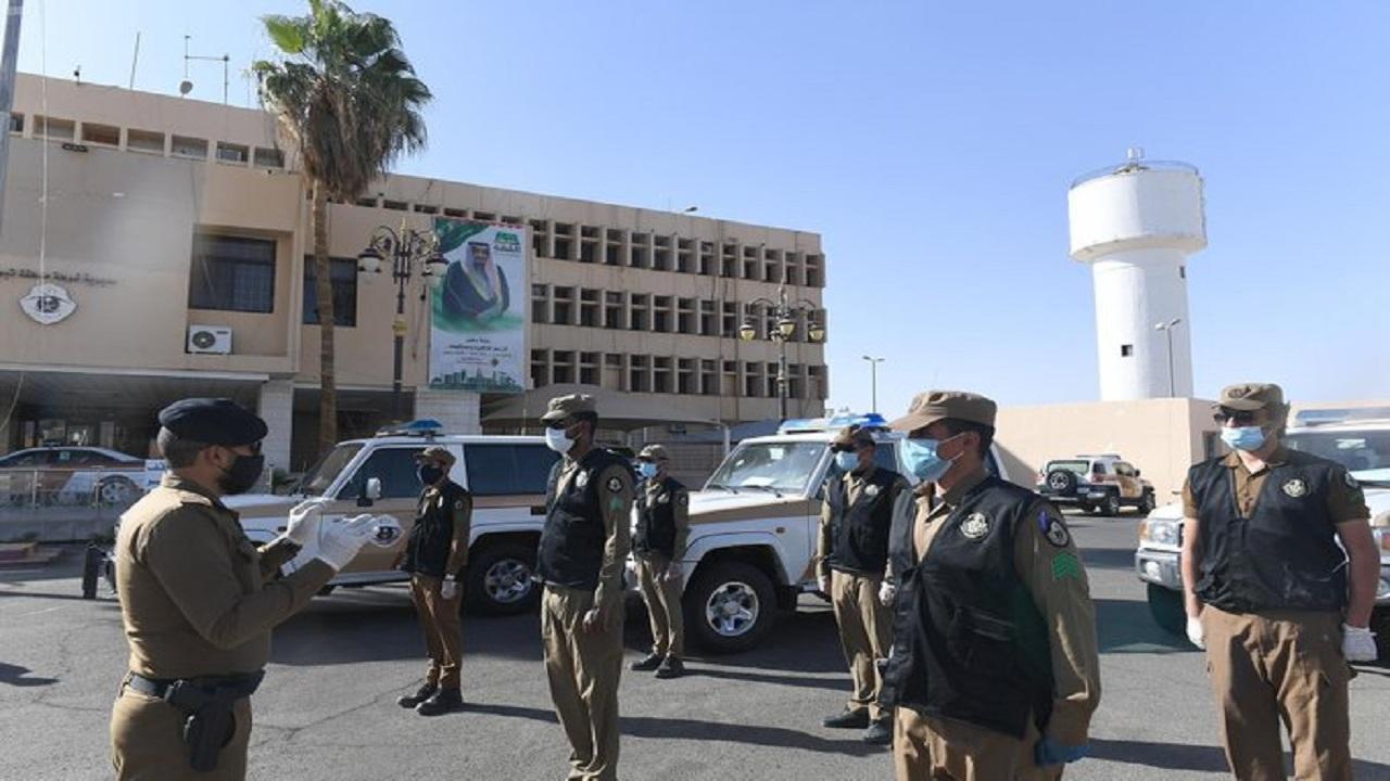 شاهد.. شرطة تبوك تتابع تنفيذ الإجراءات الوقائية المتخذة لمواجهة «كورونا»