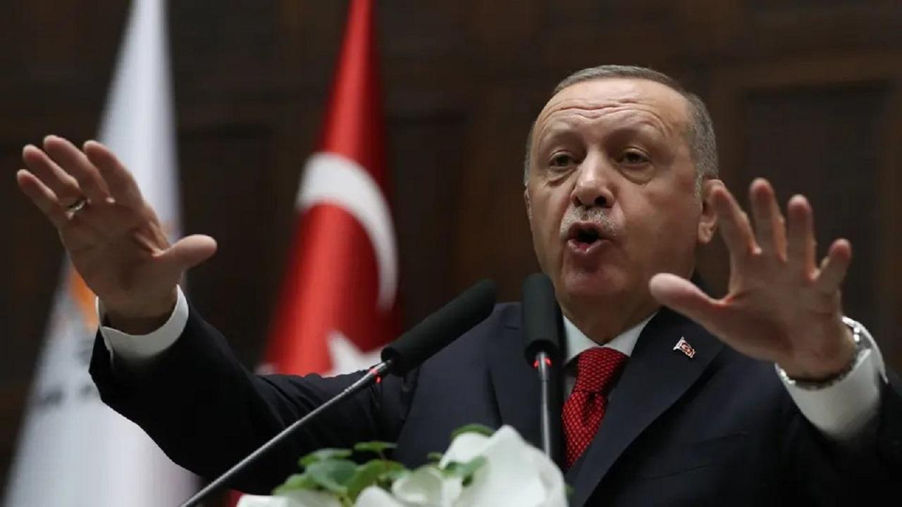 سياسي تركي يهين الشعب الليبي ويصف من يعارض أردوغان بالمستعمر (فيديو)