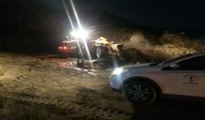 بالصور.. بلدية بارق تفتح طريق حي القلب المتضرر من السيول