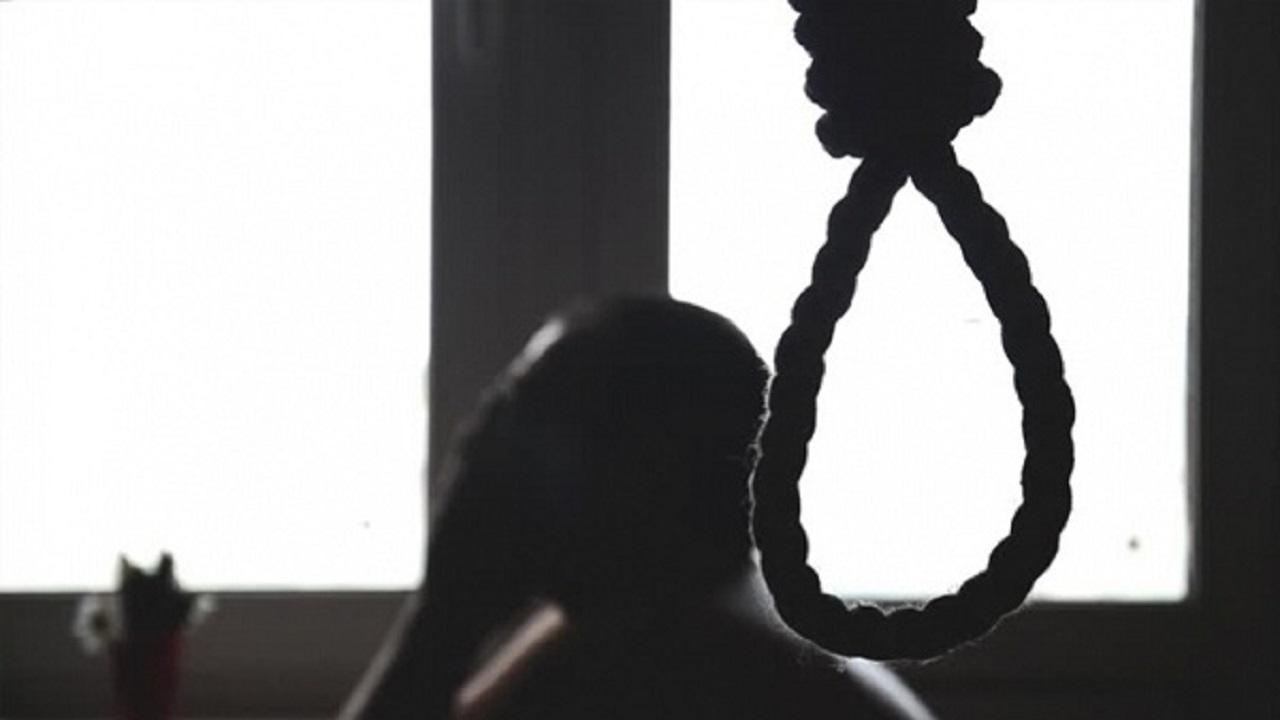 انتحار شاب أعلى سطح منزله بسبب الاكتئاب