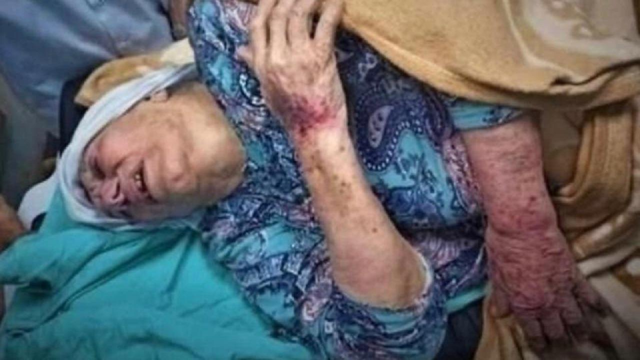بالفيديو.. حفيد أم الأسرى يطالب بتطبيق القانون بعد إعتداء أفراد من شرطة حماس على جدته