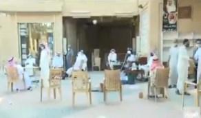 العودة بحذر تسيطر على سوق الثميري بالرياض (فيديو)