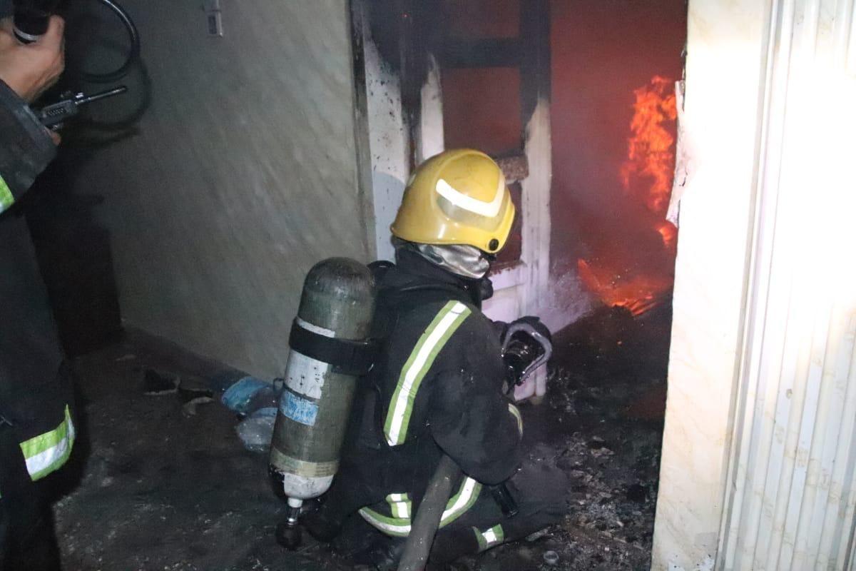 إخلاء عمارة في مكة المكرمة بعد نشوب حريق
