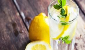 فوائد الليمون والماء قبل النوم