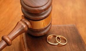 امرأة في دعوى إثبات طلاق: تركني مُعلقة 12 شهر بسبب والدته