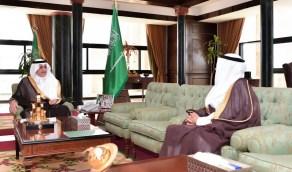 أمير تبوك يثمن جهود العاملين بقطاع الامانة والبلديات التابعة لها بالمنطقة