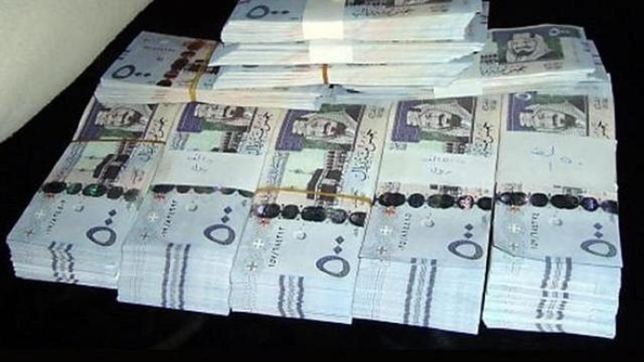 بالفيديو..الإطاحة بـ 4 بنجلاديشيين تخصصوا في تهريب الأموال