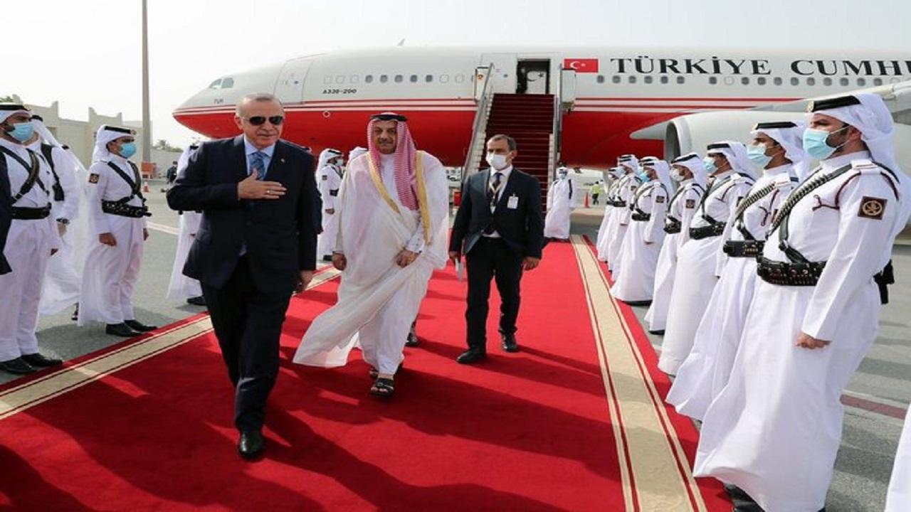 صورة مخزية لمراسم استقبال أردوغان في قطر