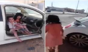 أمير الحدود الشمالية يتسلم تقريرًا عن حالة الطفلين اللذين احتجزا داخل مركبة