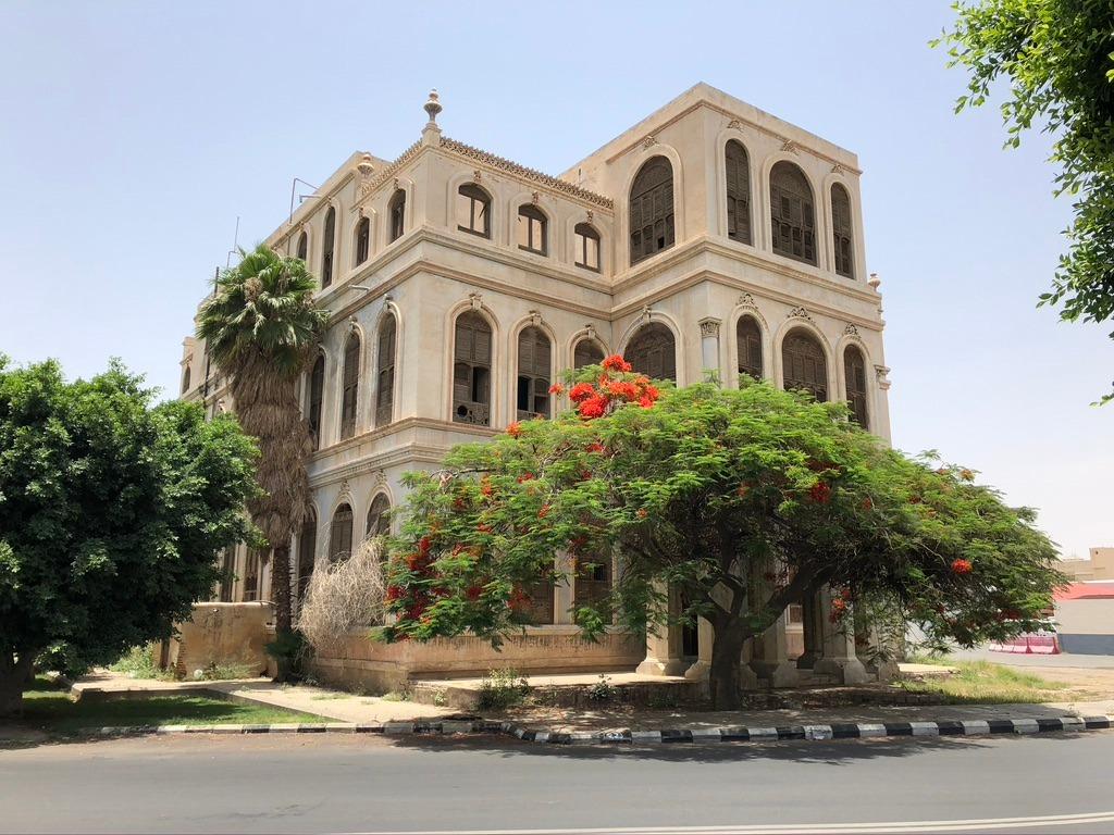 قصر الكاتب بالطائف أثر تاريخي عمره 126 عاما