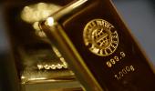 الذهب يتماسك فوق مستوى 1800 دولار