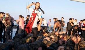 في مثل هذا اليوم أهان أردوغان جنود جيشه وأخرجهم عراة للشارع