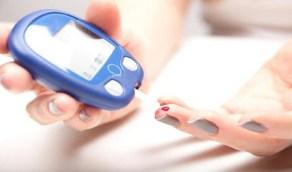 استشاري غدد يحذر مرضى السكري من بعض مُدَّعي العلاج