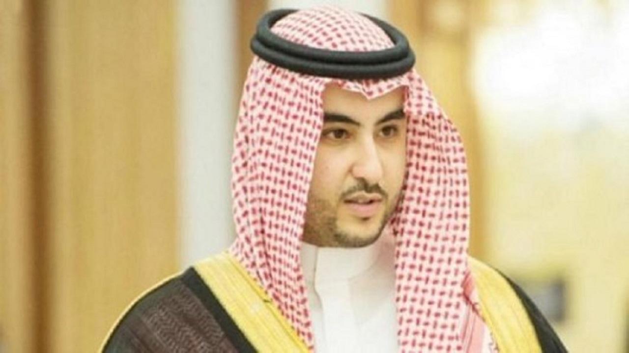 تفاصيل مكالمة هاتفية بين الأمير خالد بن سلمان ووزير الدفاع البريطاني