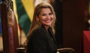 بالفيديو.. رئيسة دولة تعلن إصابتها بالفيروس المستجد