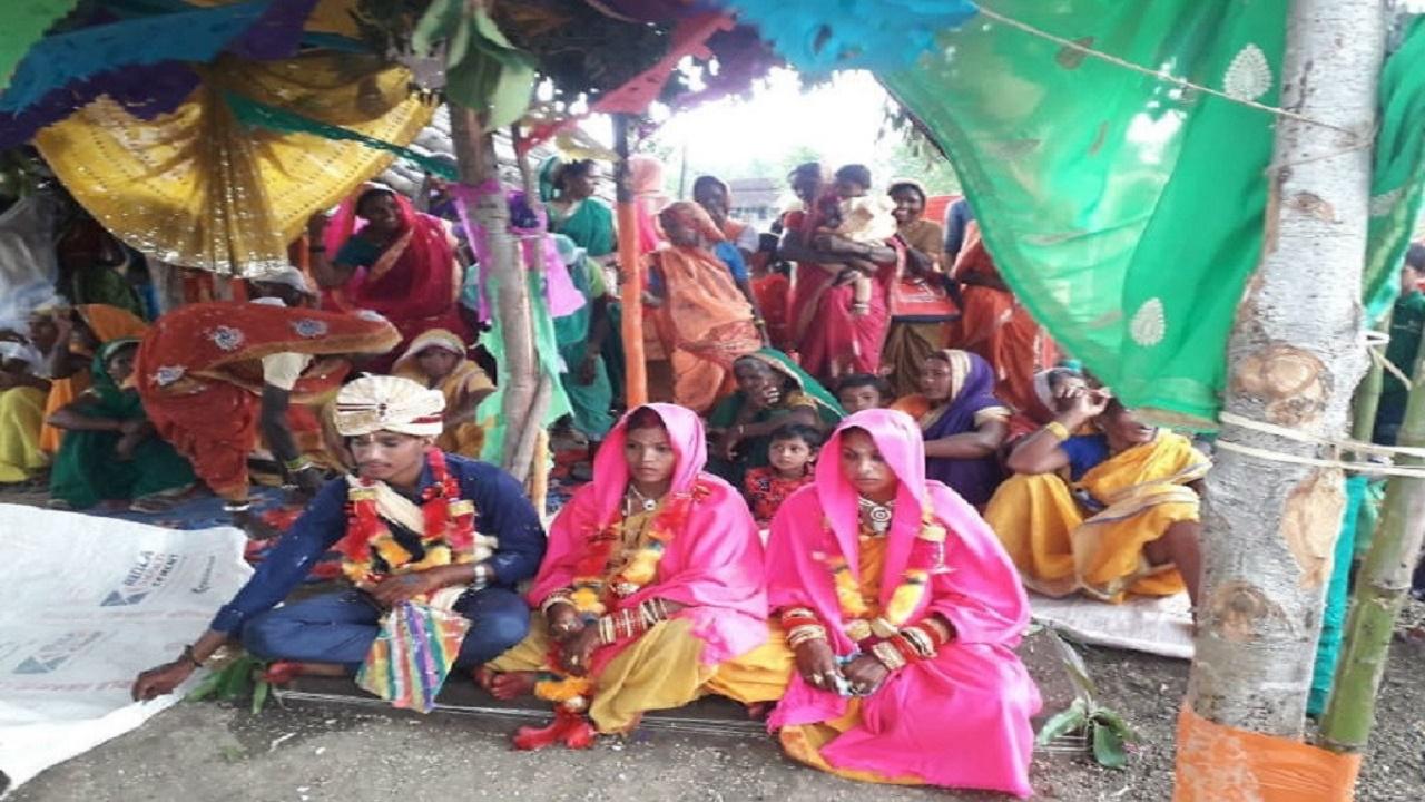 شاب يتزوج من فتاتين في حفل زفاف واحد