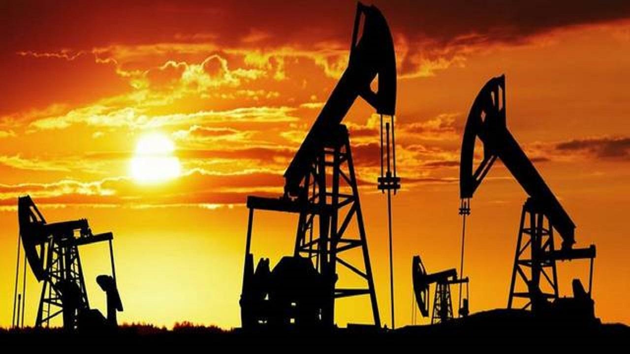 أسعار النفط تتراجع وبرنت عند 42.98 دولاراً للبرميل