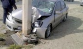 إصابة سيدة في حادث اصطدام مركبة بعمود إنارة بالعاصمة المقدسة