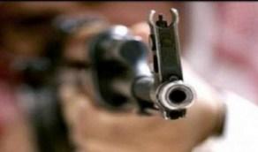 طلقات نارية تودي بحياة مواطن وتصيب زوجته وأبنائه في عسير