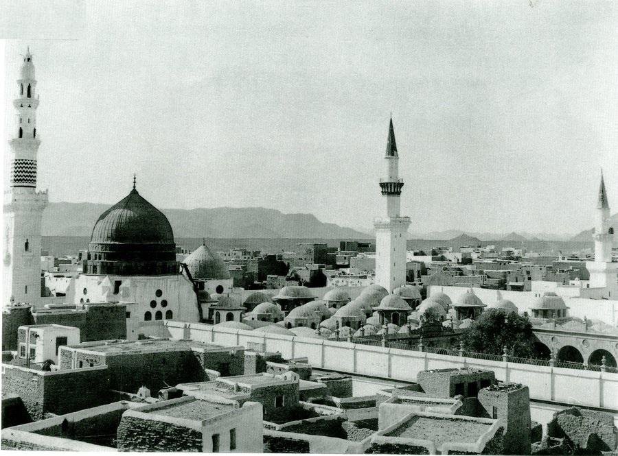 لقطة قديمة للمسجد النبوي الشريف