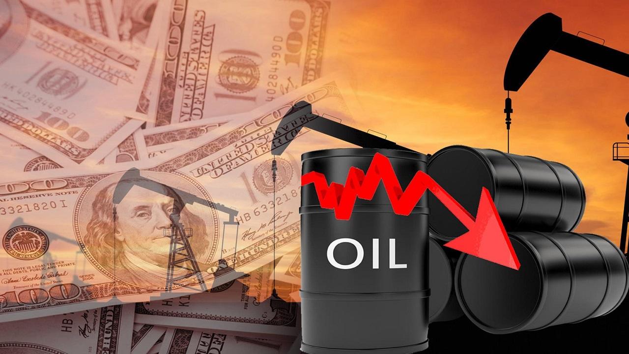 انخفاض سعر النفط بسبب المخاوف من تراجع الطلب الأمريكي