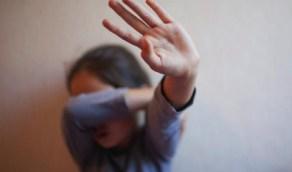 مراهقان يخنقان فتاة بسلك كهربائي بعد اغتصابها