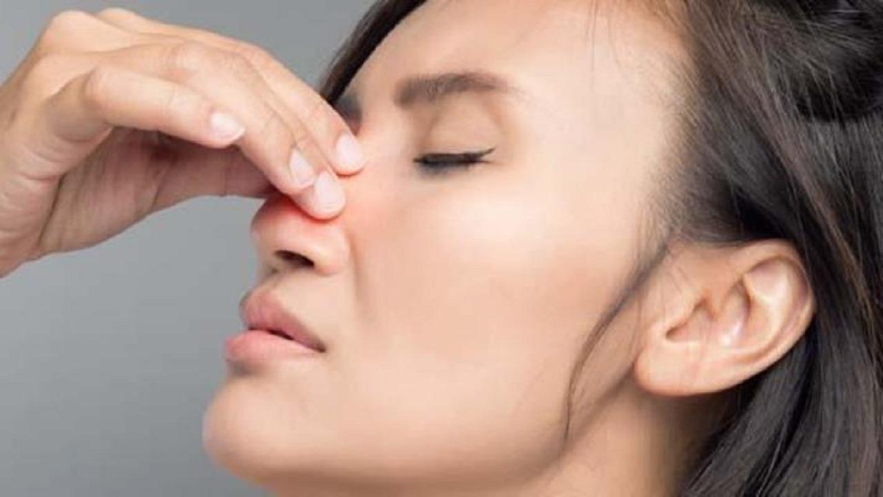 طريقة تساعد على النوم رغم انسداد الأنف