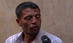 بالفيديو .. عامل مصري يروي قصة تعرضه للتعذيب في ليبيا