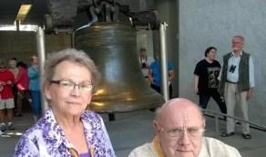 رفضا ان يفرقهما الموت وتوفيا معاً بكورونا بعد53 عام زواج