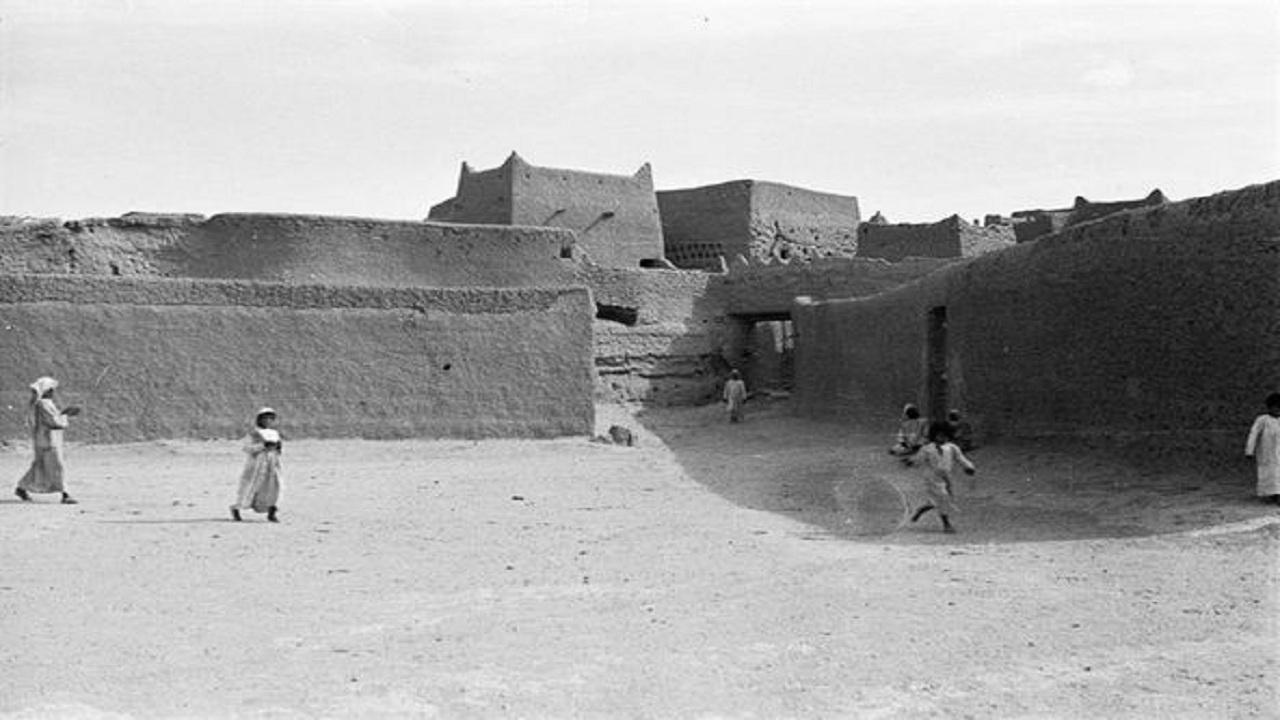 بالصور.. رحالة يوثق شكل الحياة في مدن المنطقة الشرقية في عام 1946