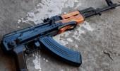 رجل يقتل ابنه بإطلاق 5 أعيرة نارية عليه بـ«كلاشنكوف»