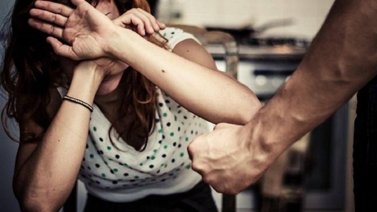 رجل يمزق جسد زوجته بسبب مصروف البيت