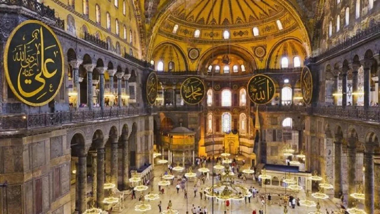 داعية إسلامي يٌعري «أردوغان» بعد أزمة آيا صوفيا: «الأولى إغلاق بيوت الدعارة»