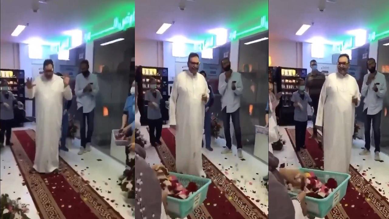 بالفيديو.. الاحتفال بخروج الدكتور نزار باهبري من المستشفى بعد تماثله للشفاء