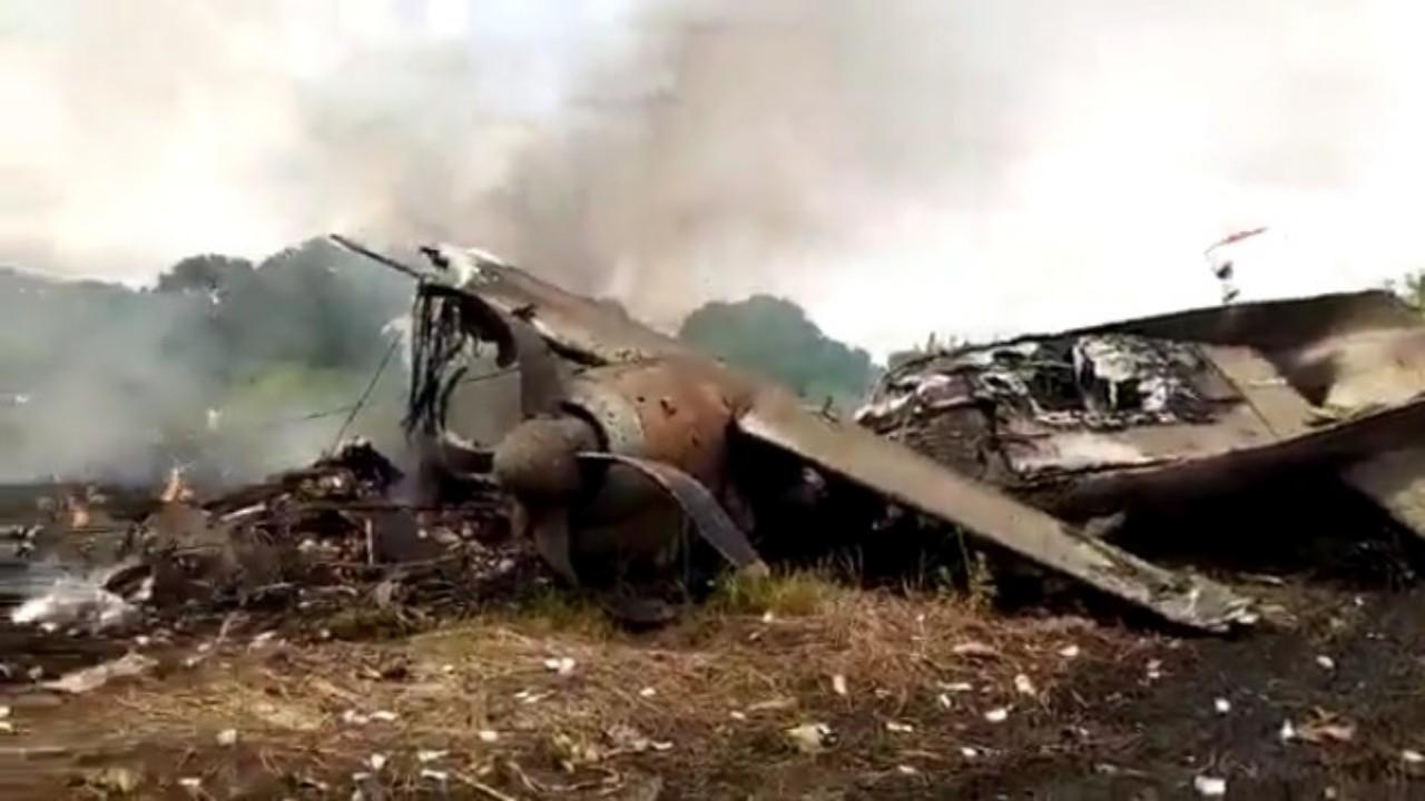 بالفيديو.. تحطم طائرة شحن عقب إقلاعها من مطار جوبا جنوب السودان