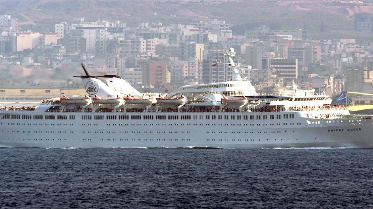 غرق سفينة سياحية بمرفأ بيروت ومقتل وإصابة 9 من طاقمها
