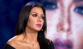 هجوم لاذع ضد رانيا يوسف بعد ظهورها في حمام السباحة بدون ملابس