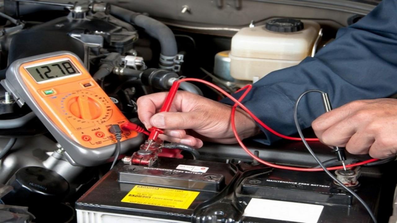 طريقة بسيطة لقياس قوة بطارية السيارة