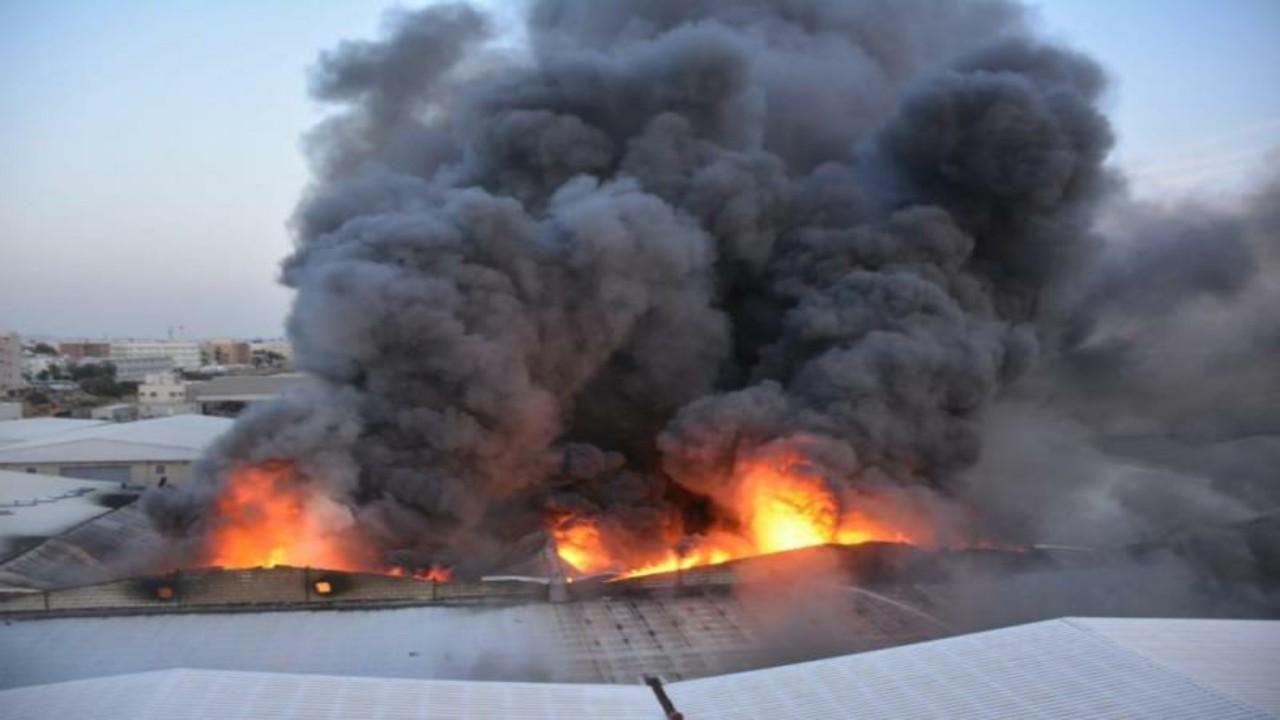 تفاصيل جديدة حول حريق مستودعات جدة