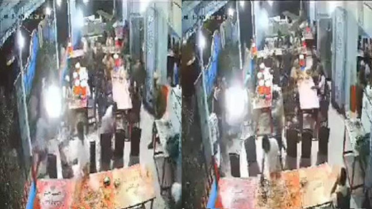 بالفيديو..ميليشيا الحوثي تقتحم مطعمًا بالرشاشات وتقتل وتصيب 22 من زبائنه