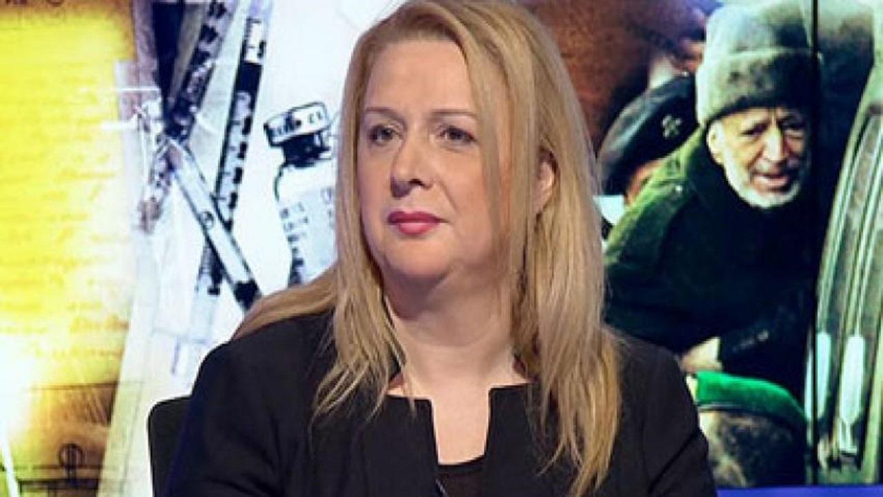 زوجة ياسر عرفات تعتذر للإمارات قيادة وشعباً عن حرق فلسطينيين للعلم الإماراتي