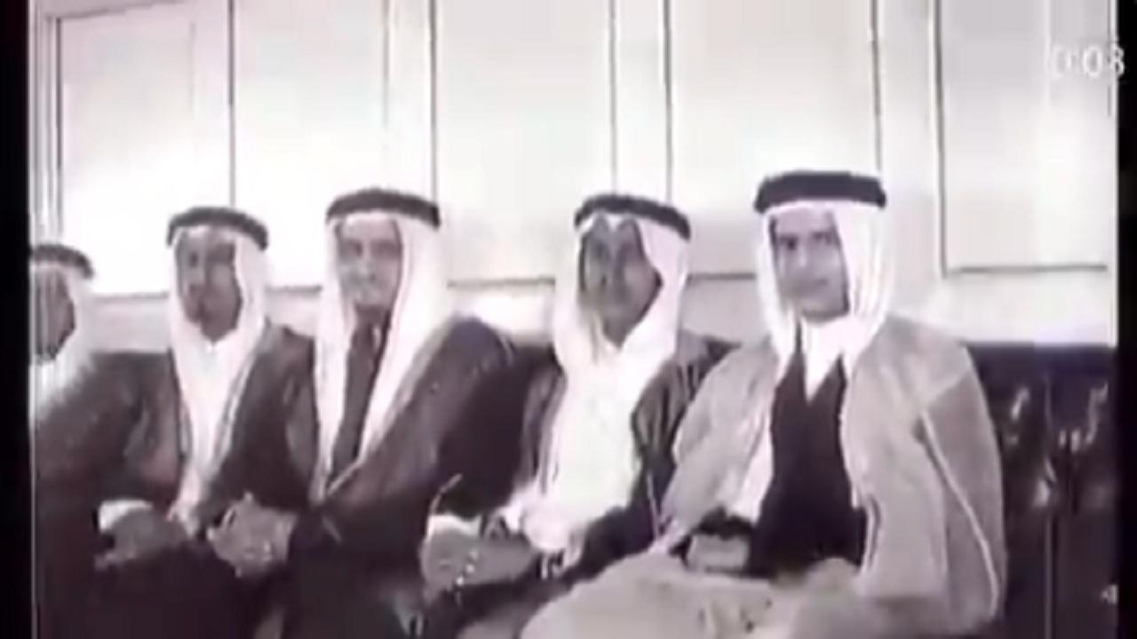 مقطع فيديو نادر لأبناء الملك عبدالعزيز