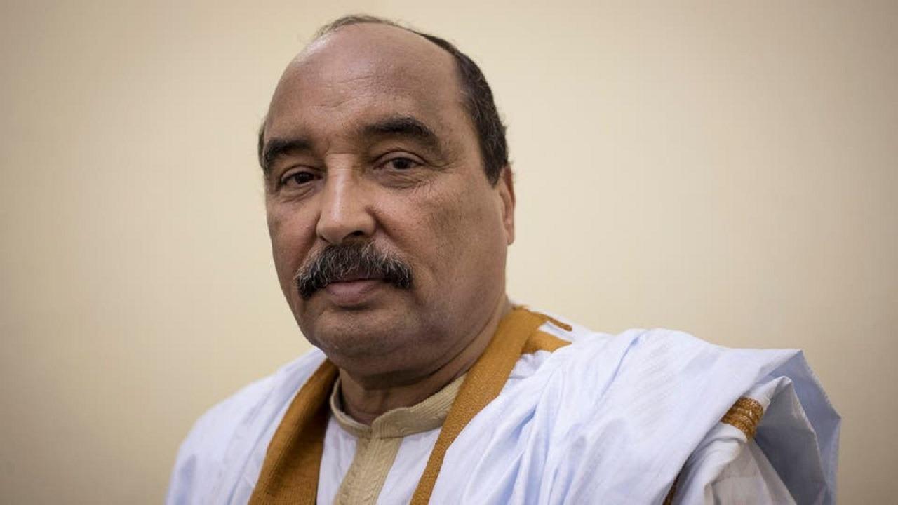 الشرطة تحتجز رئيس موريتانيا السابق بعد استجوابه