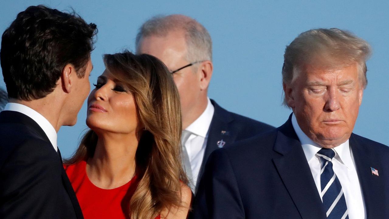 شاهد.. نجمة أمريكية تعبر عن رفضها لـ «ترامب» بنشر صورة عارية لـ «ميلانيا»